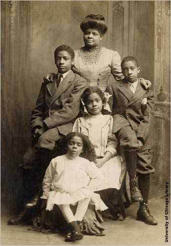 Ida-B-Wells-_and_-family.jpg