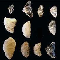 Les pointes de fléches retrouvées datent de - 64 000 ans