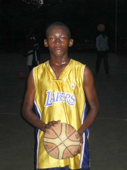 Mexant Bado rêve de devenir Kobe Bryant