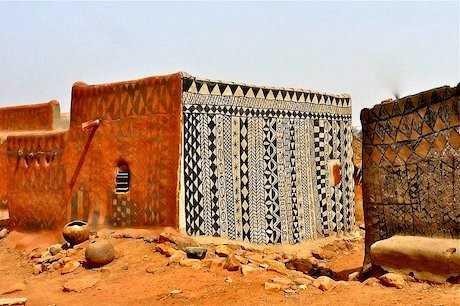 decorated-mud-houses-of-tiebele-village-burkina-faso-west-africa-gourounsi-architecture-kassena-people-the-flying-tortoise-005.jpg